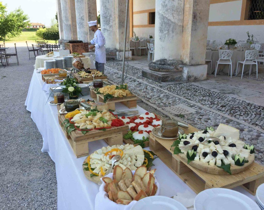 Popolare Buffet di formaggi: come allestirlo e organizzarlo durante un evento VV43