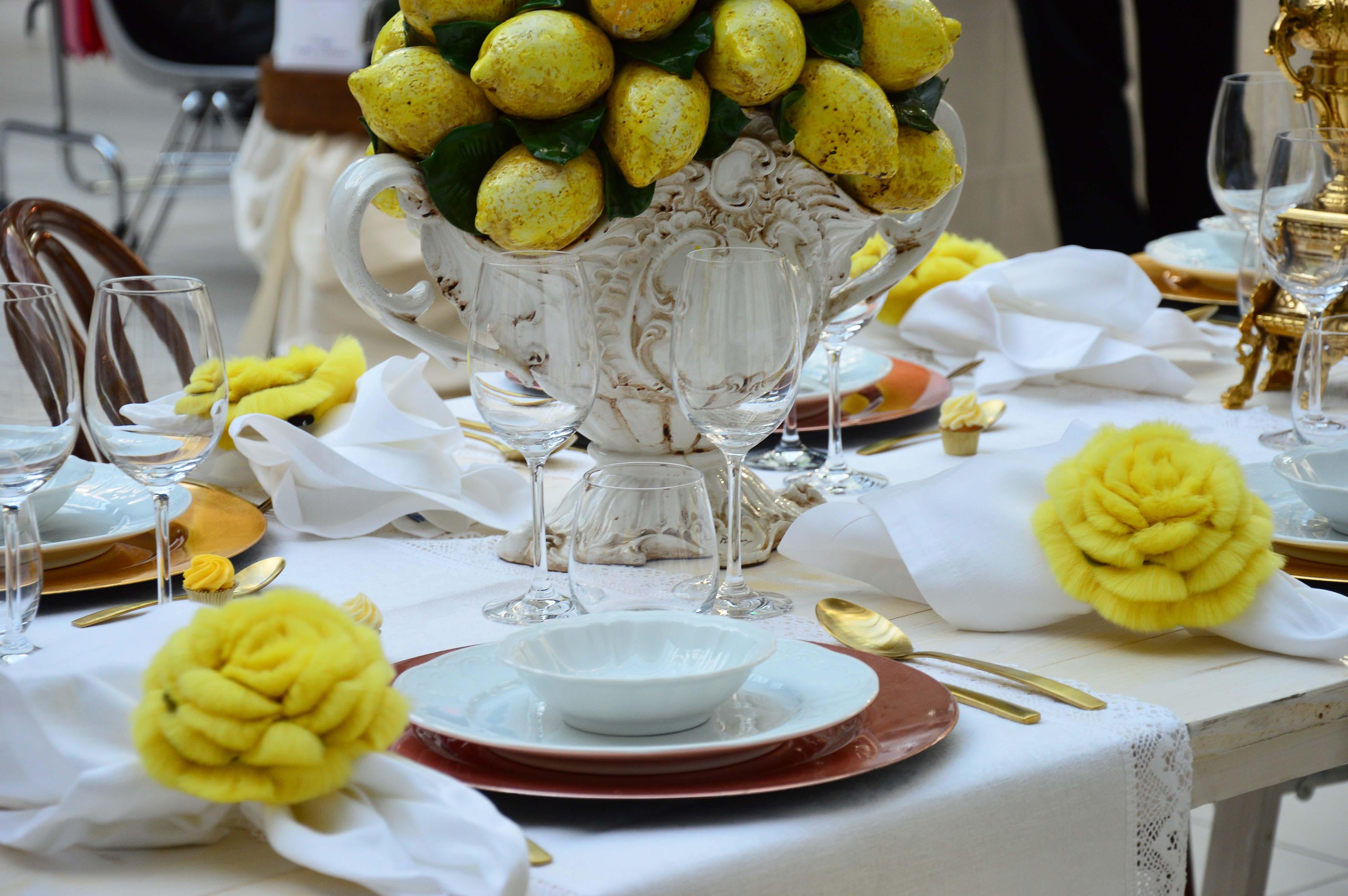 Arredare Tavola Natale come apparecchiare la tavola a natale: idee glamour and chic